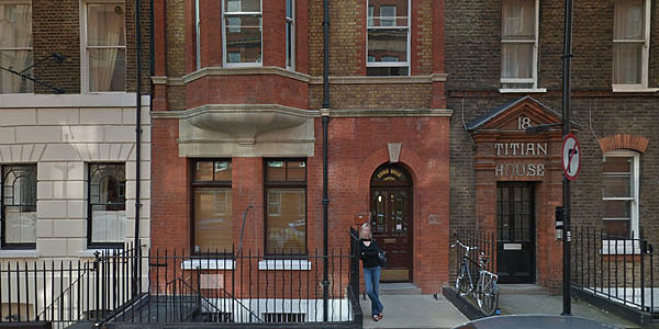 Exterior of 19 Nassau Street, Fitzrovia, London, W1W 7AF. The London Practice for Recover Therapy.